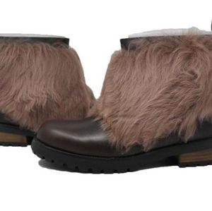 New UGGS booty heel boots